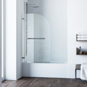 Bathtub with door